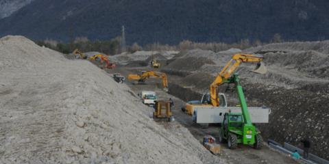 scavo attraversamento Torrente But