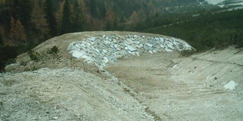 Vallo paramassi in scogliera Val Dogna